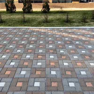 Как выбрать тротуарную плитку для загородного дома