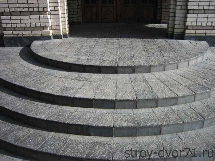 Технология работ при создании лестницы из брусчатки