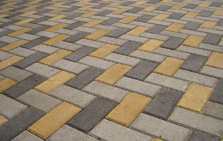 Тротуарная плитки прямоугольной для садовых дорожек